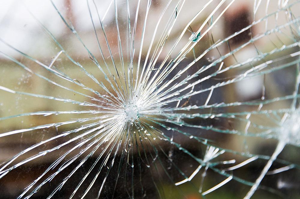緊急のガラス手配(交換)